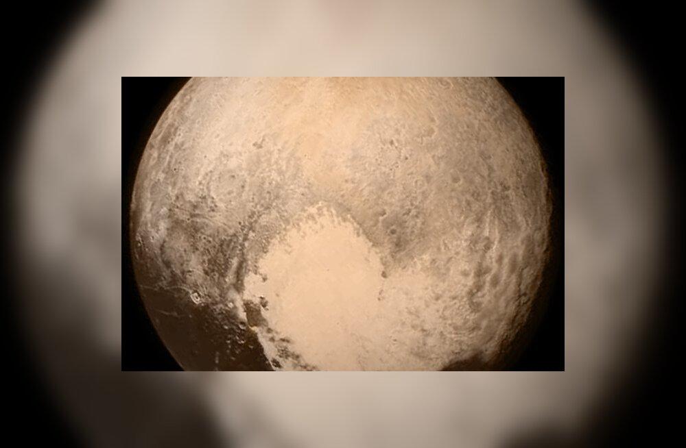 Kui ruttu Pluuto kohta kogutud andmed üldse Maale jõuavad?