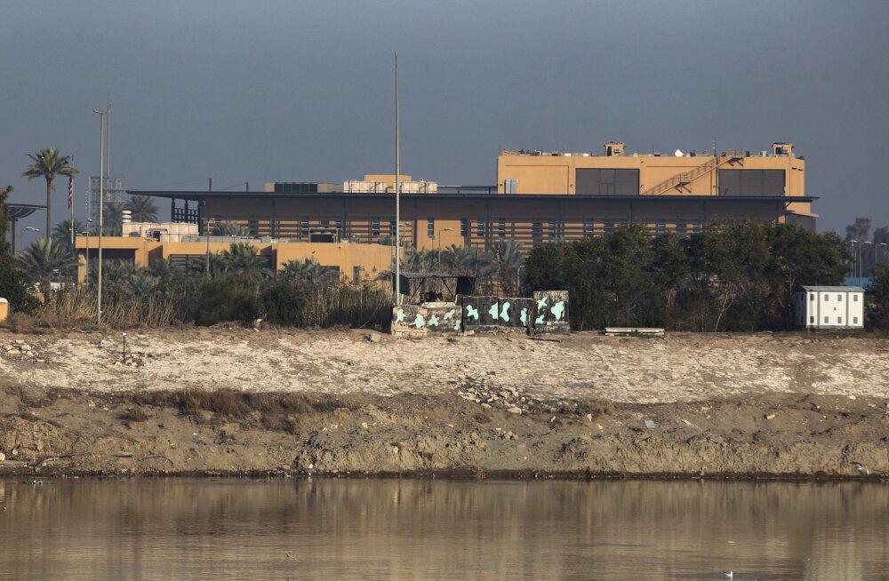 USA saatkonna lähedale Bagdadis lasti vähemalt kaks raketti