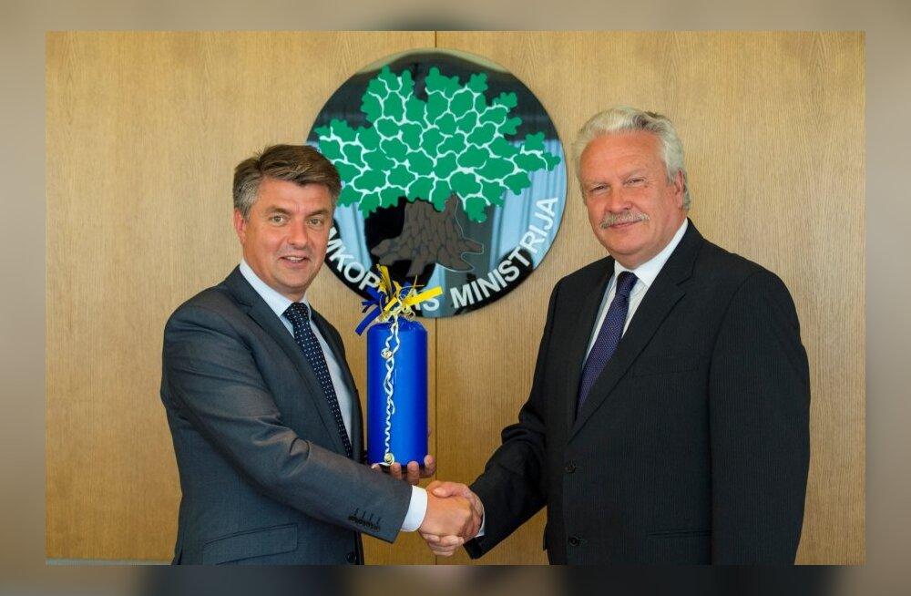 Läti põllumajandusminister Janis Duklavs (paremal) ja European Green Exhibitionsi tegevdirektor  Lars Jaeger .