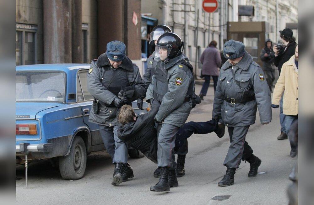 Valge Maja väljendas muret Vene meeleavaldajate vahistamise pärast
