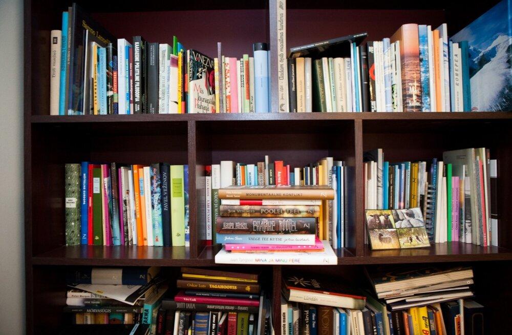 Eakas raamatulugeja: vanas kohas üle sajandi püsinud raamatupood hoiab traditsioone!