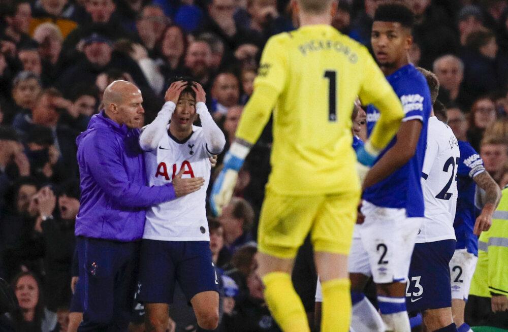 Tottenhami ründaja punane kaart tühistati, Evertoni poolkaitsja pääses pärast operatsiooni haiglast välja