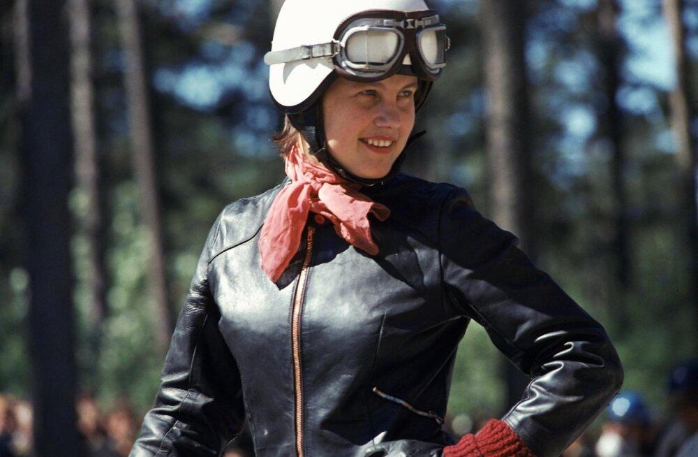 FOTO aastast 1976   Mida kostis motosõitja Helgi Kollom, kui küsiti, kas see ala naistele passib?