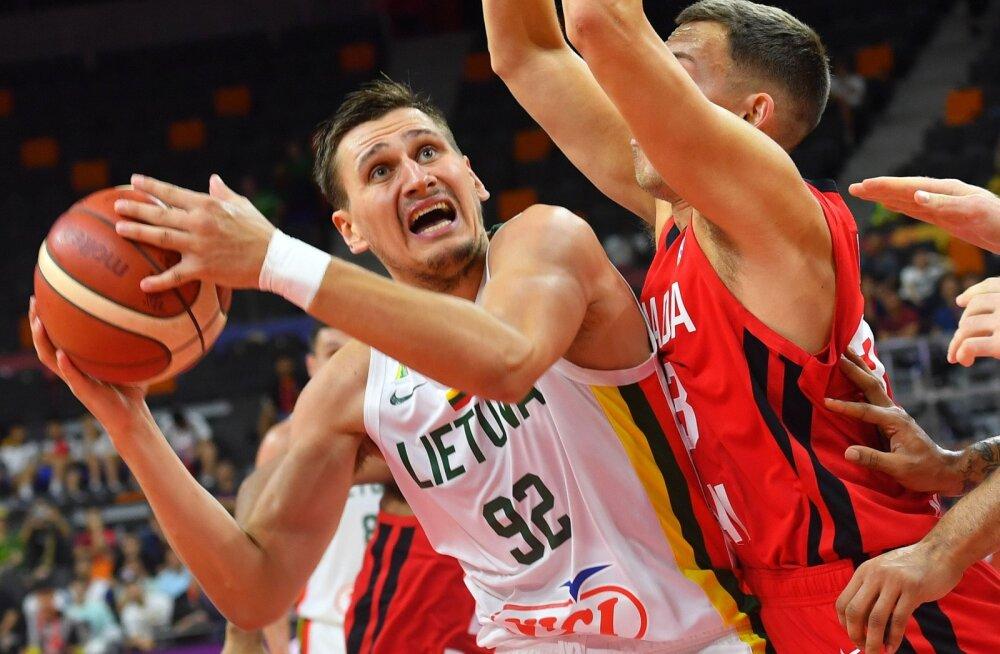 Leedu korvpallikoondis Tallinnas   Ulanovas ja Grigonis - sarnased mängijad, sarnane karjäär