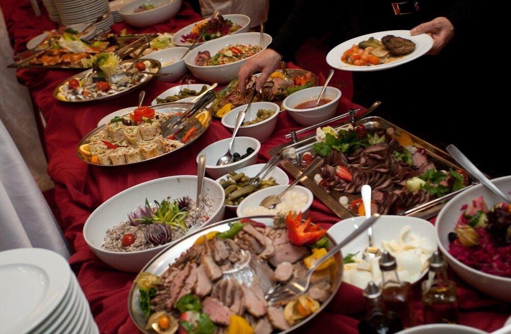 Опасные закуски: шесть блюд новогоднего застолья, оставшихся из СССР
