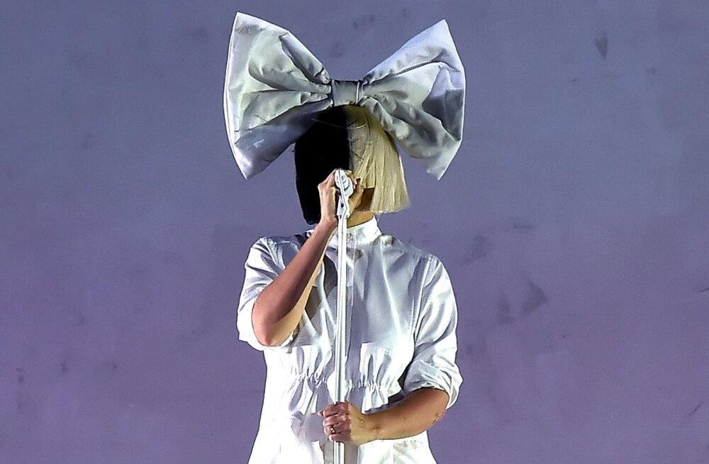 Iga mehe unistus? Lauljatar Sia tegi maailmakuulsale DJ-le ahvatleva pakkumise: mul pole aega suheteks!
