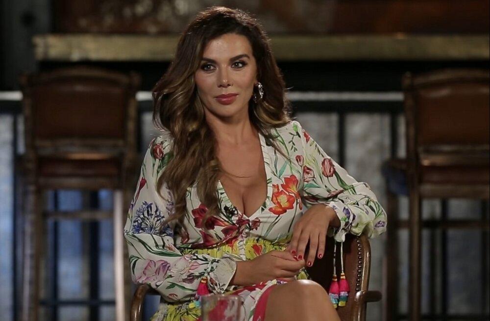 Анна Седокова рассказала о пользе утреннего секса