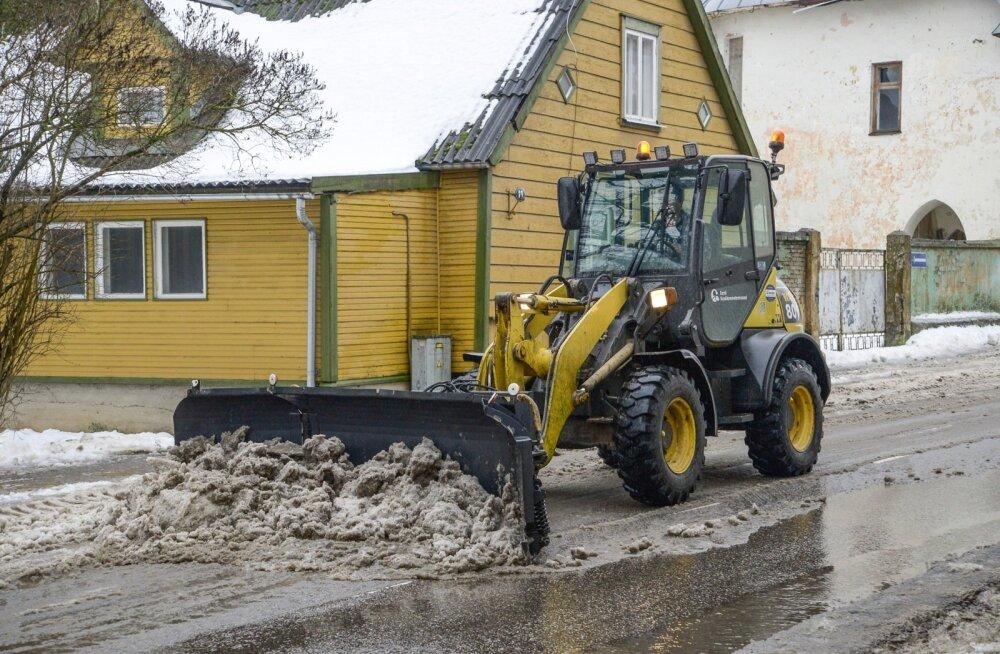 Arenguruumi on: Eesti kõigi aegade kõige tüsedam lumikate 104 cm on mõõdetud 1924. aasta veebruaris.
