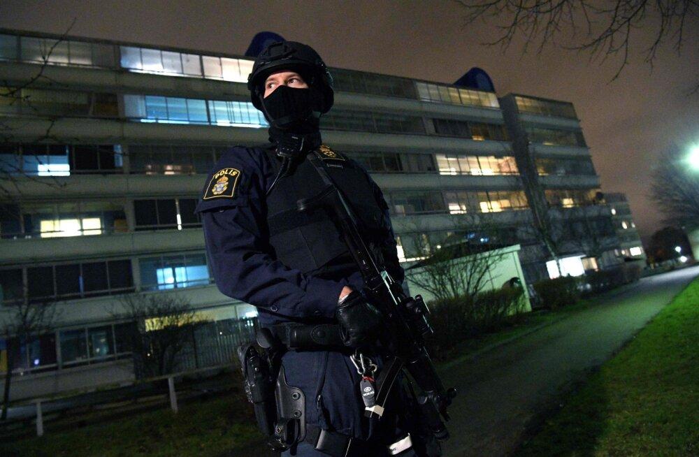 Malmö kesklinnas kärgatas öösel pommiplahvatus ja avati inimeste pihta tuli