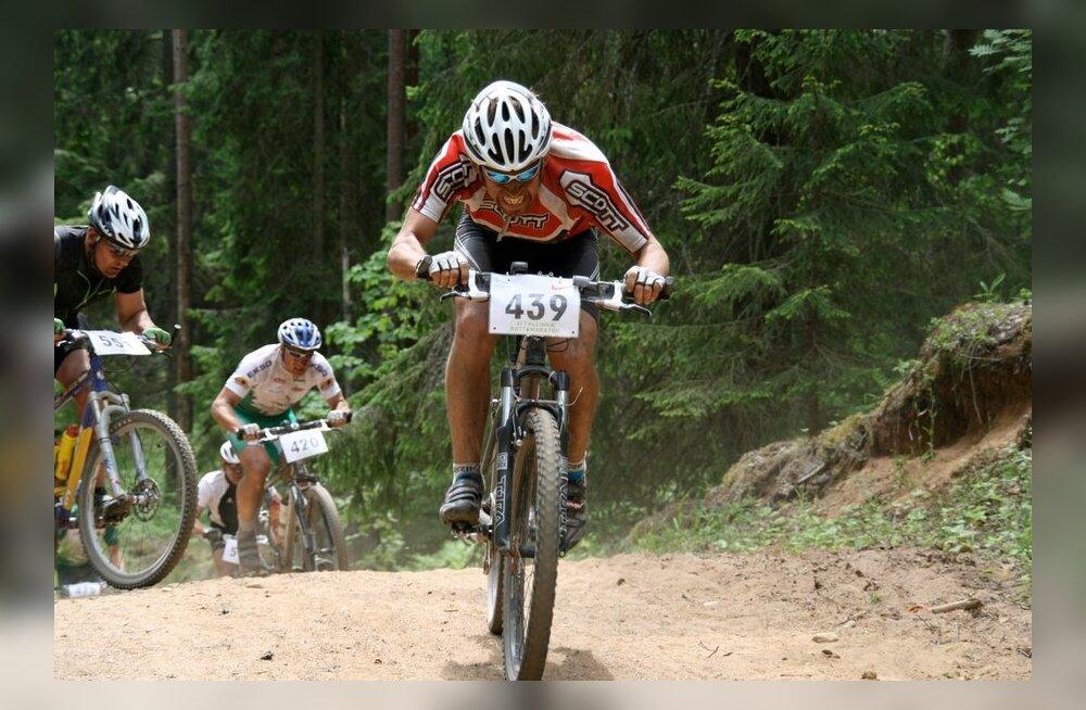 Fotojäädvustus Kõrvemaa rattamaratoni algusaastatest, jalgratas