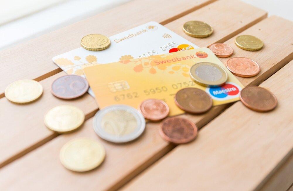 Swedbank в апреле закроет программу премиальных пунктов