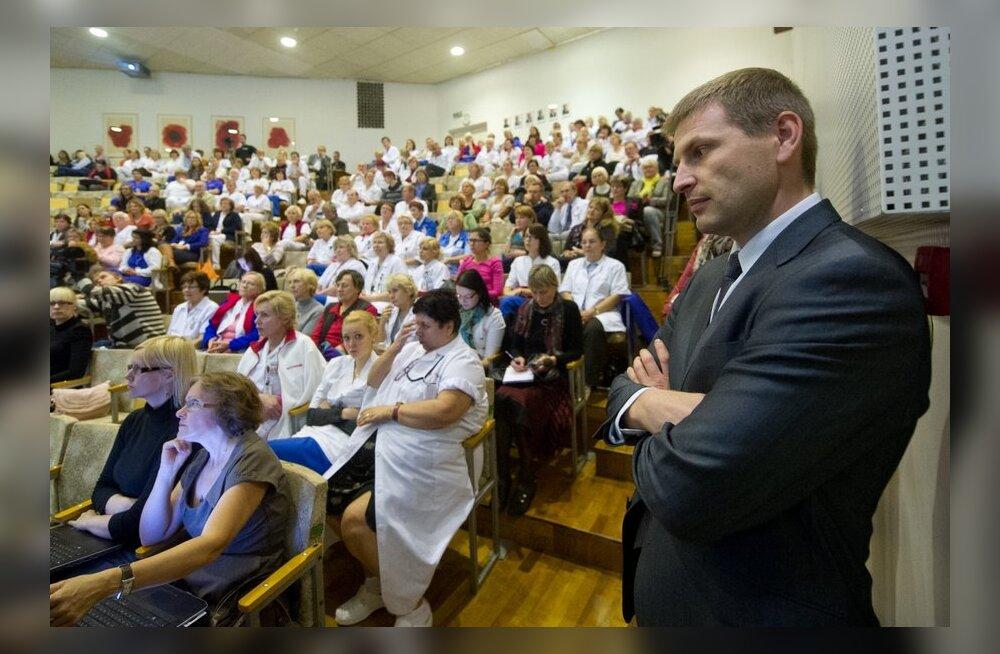 Õdede liit toetab tervishoiutöötajate palganõudmist toetusaktsiooniga