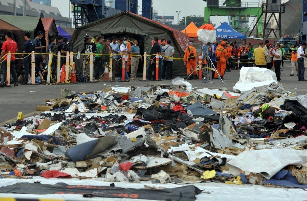 Leiti Indoneesias allakukkunud lennuki must kast, töölt kõrvaldati lennufirma juhtivtöötajaid