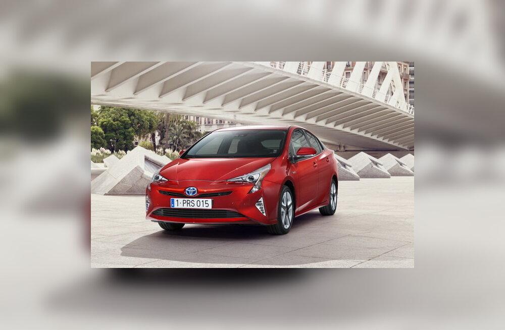 Säästab veel enam kütust: Toyota esitles uuenenud hübriidautot Prius