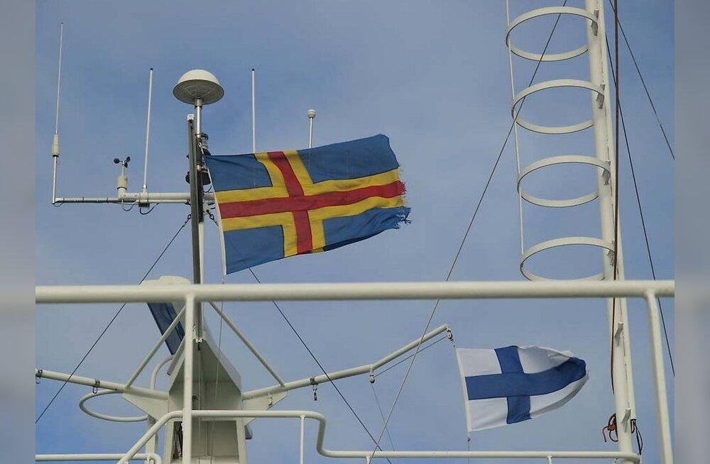 MAALEHE REIS: Ahvenamaa ootas reisilisi tuulese sülega