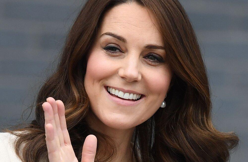 Tore avastus: isegi Kate Middleton kannab kiirmoodi! Just selline tema kantud Zara mantel on tänaseks välja müüdud