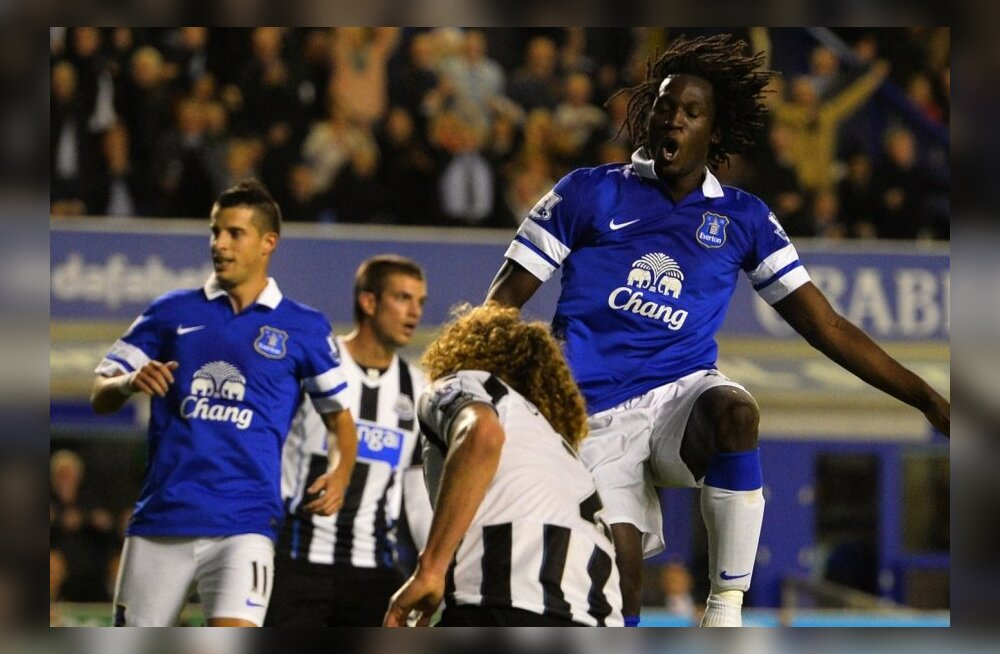 Romelu Lukaku (Everton) esiplaanil