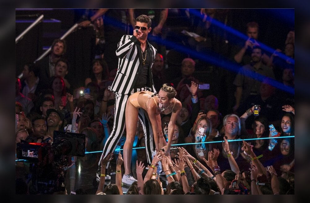 Miley Cyrus VMA Awards 2013