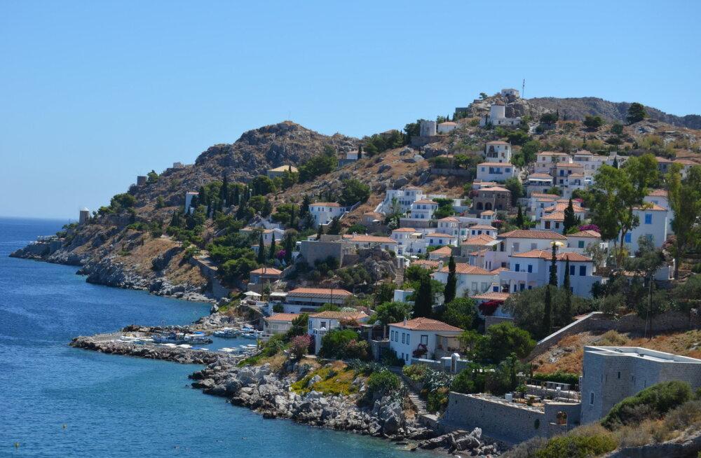 Власти красивейшего греческого острова готовы предоставить дом и землю, а также платить пособие тем, кто захочет к ним переехать
