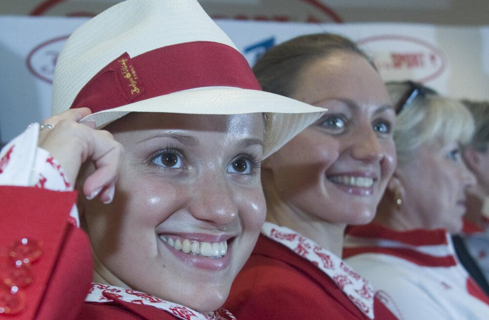 Анастасия Ермакова (слева) и ее партнерша по сборной России Анастасия Давыдова