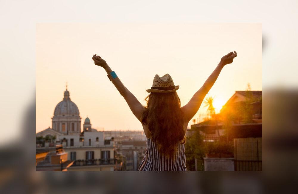 Туристы оценили путешествия выше любви и денег