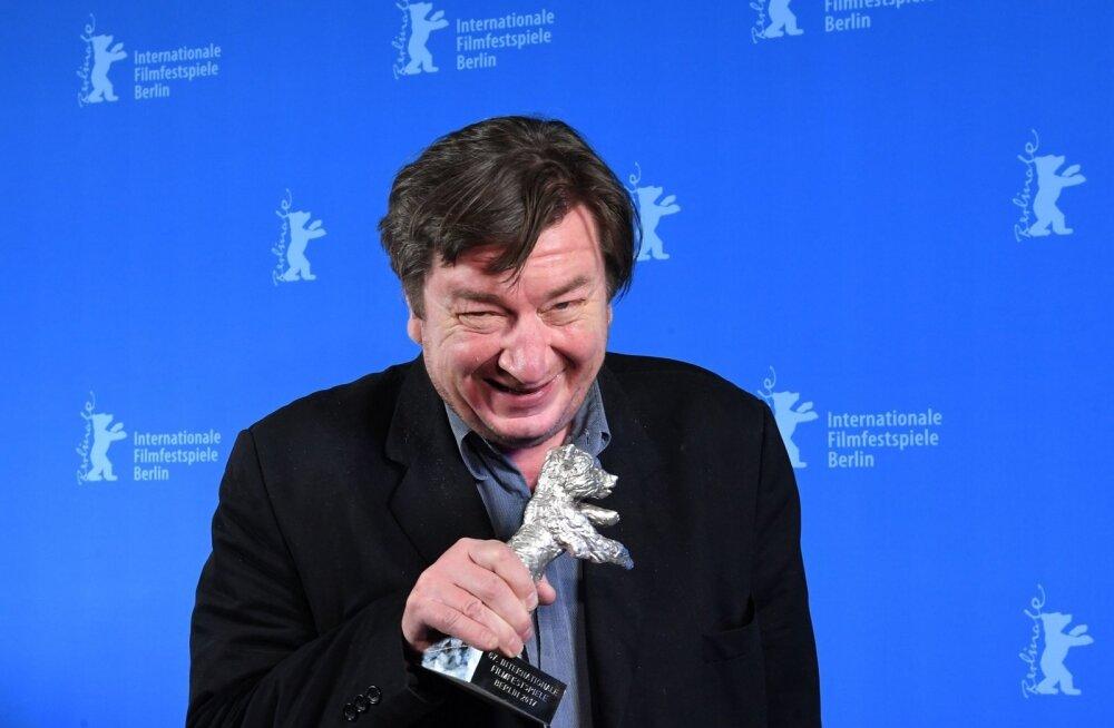 Soome tuntuim filmimees Aki Kaurismäki müüs oma filmide õigused igaveseks Ylele: olen teinud filmid vaatamiseks, mitte tolmumiseks