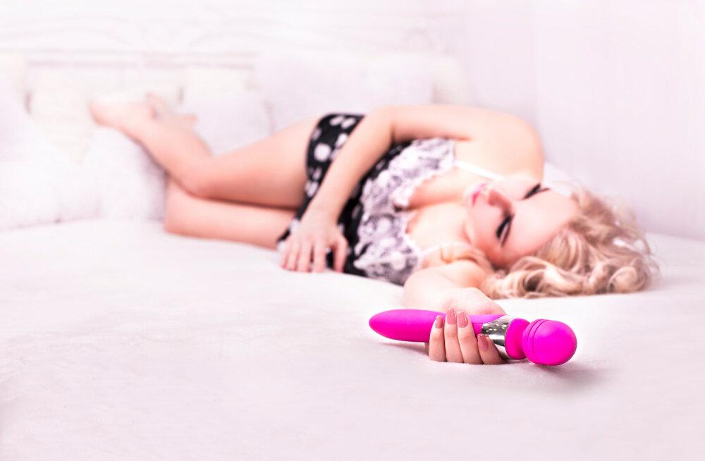 EKSPERIMENT | Kumb on parem, kas seks mehega või seks vibraatoriga? Kas mängida sellega koos või üksinda?