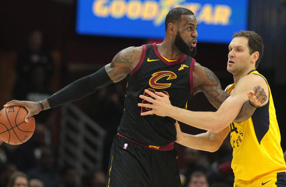 VIDEO   Uute tähisteni jõudnud James aitas Cavaliersil play-off seeria Pacersi vastu viigistada