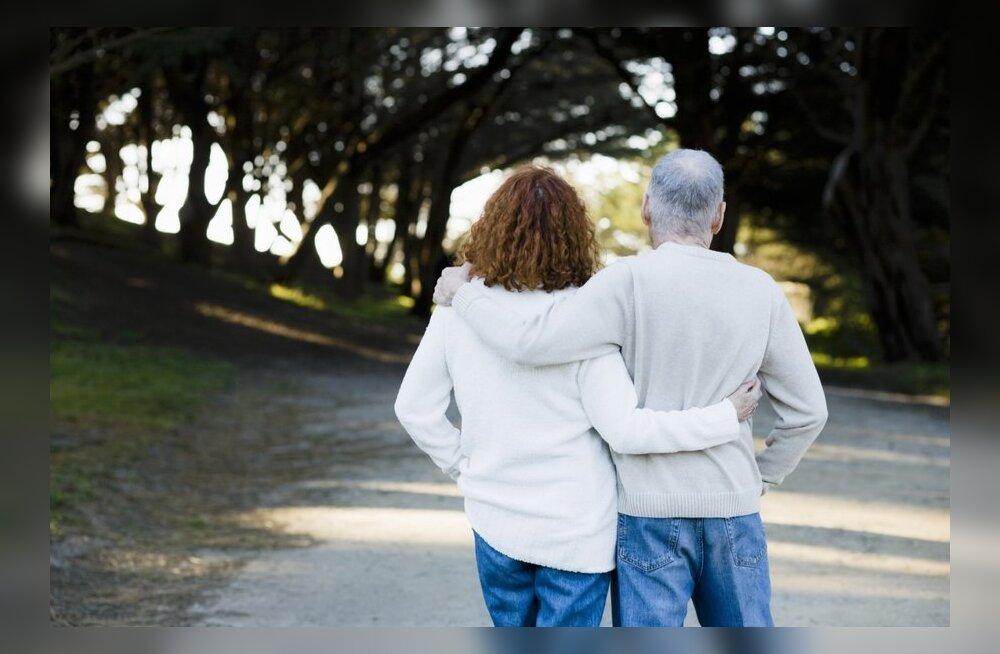 Psühholoog annab nõu: kui vanemad jäävad vanaks