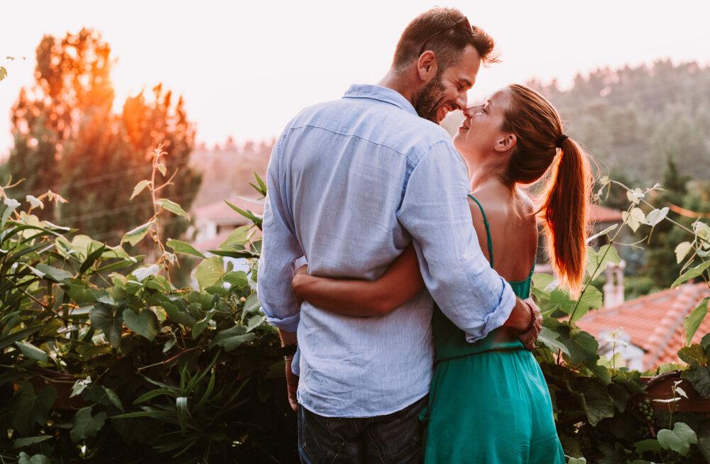 Naine, tähelepanu! Kui soovid, et mees sinusse totaalselt ära armuks, on aeg õppida selgeks see oskus