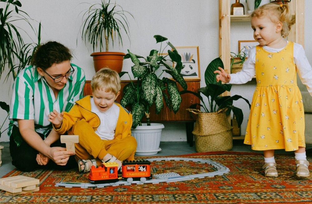 """""""Бесплодная"""" британка родила троих детей за год"""