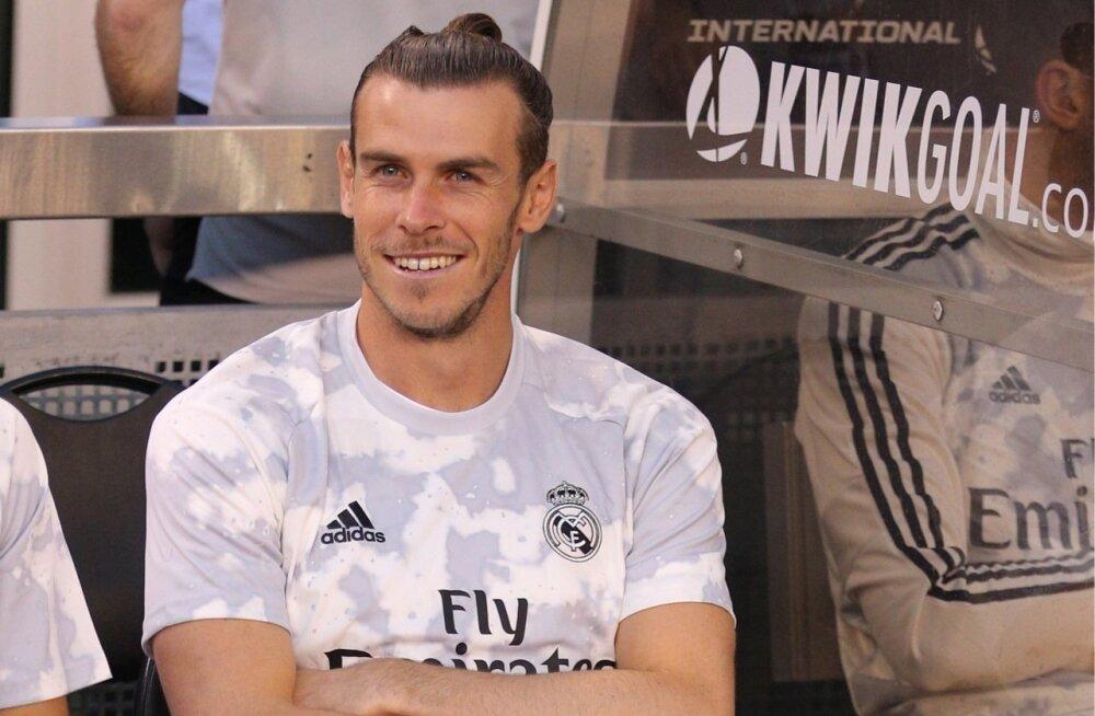 Naerusuine Gareth Bale Madridi Reali pingil.
