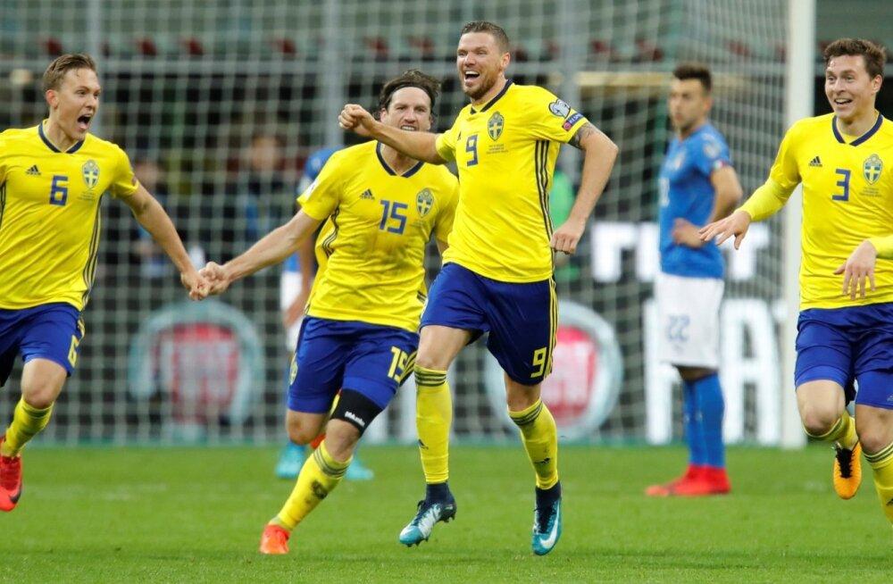 Rootsi jalgpallurid juubeldavad