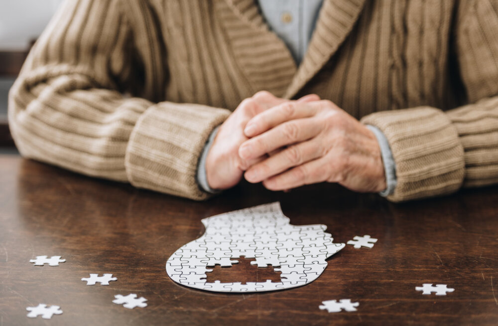 Sind vaevab tujukus, kehv mälu või sul on raskusi suhtlemisega? 5 märki, mis annavad märku dementsusest