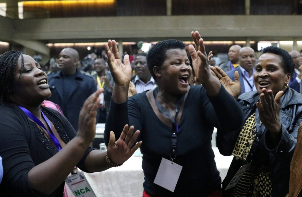 Robert Mugabe tagandamine