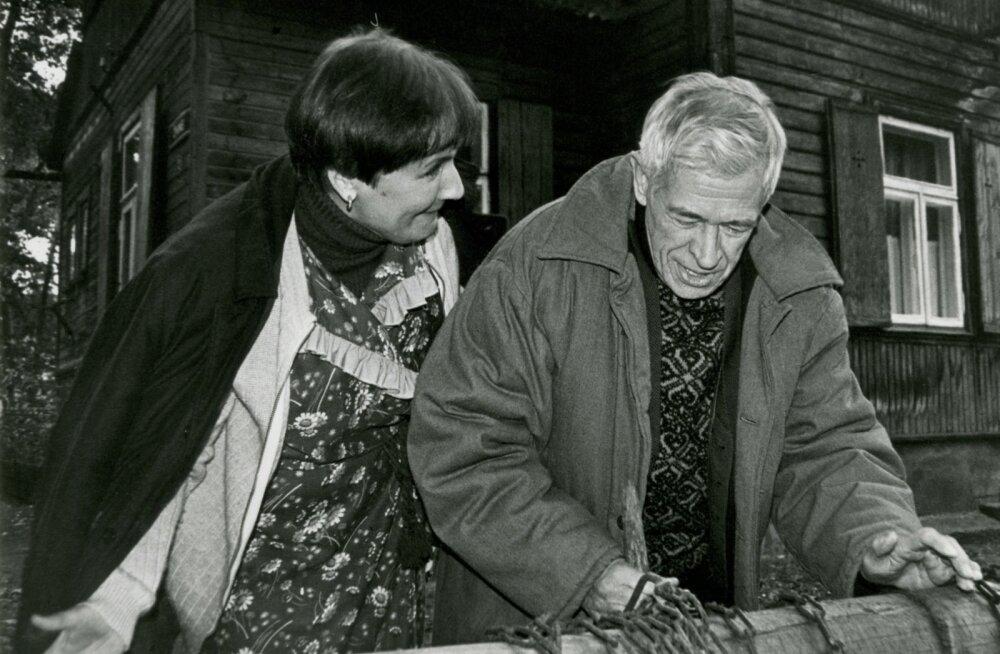 """""""Õnne 13"""" esimene osa oli eetris 1993. aasta sügisel. Loomulikult tegid seal kaasa Helgi Sallo (Alma) ja Kaljo Kiisk (Johannes)."""