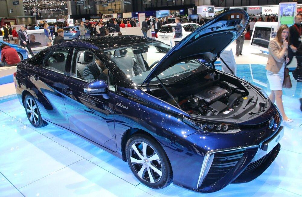 Genfi autonäitus 2015