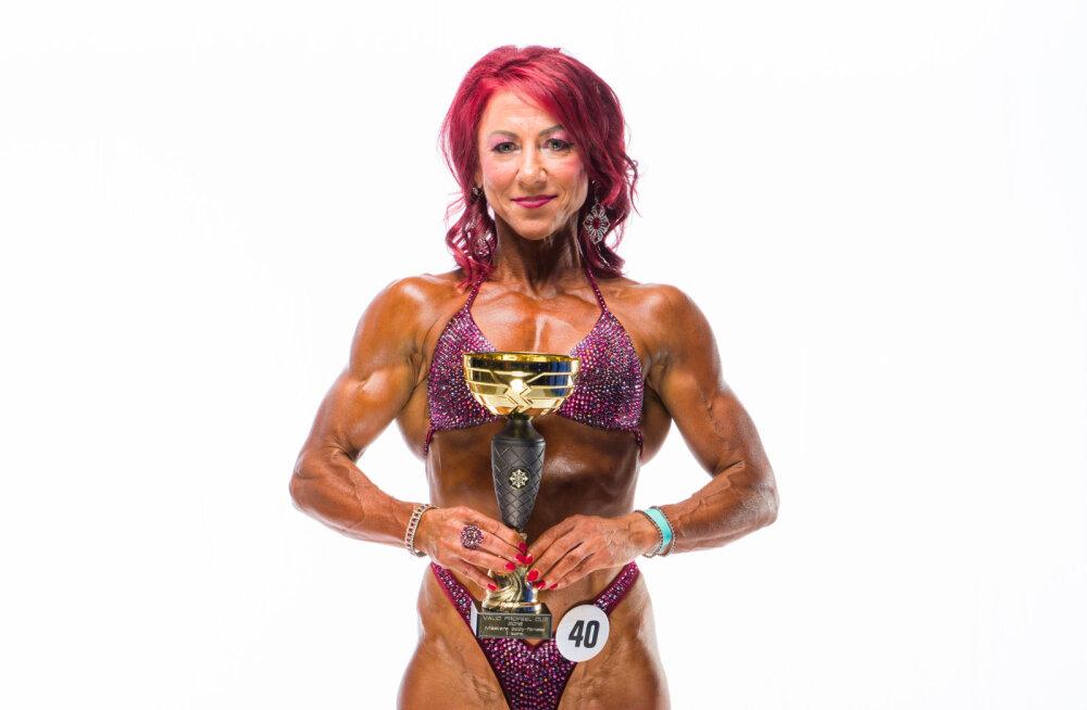 54aastane bodyfitnessi maailmameister Esta Pilt: peab ka sellele mõtlema, et pealtvaatajatel ja kohtunikel ei ole huvi nii vanu võistlejaid laval näha