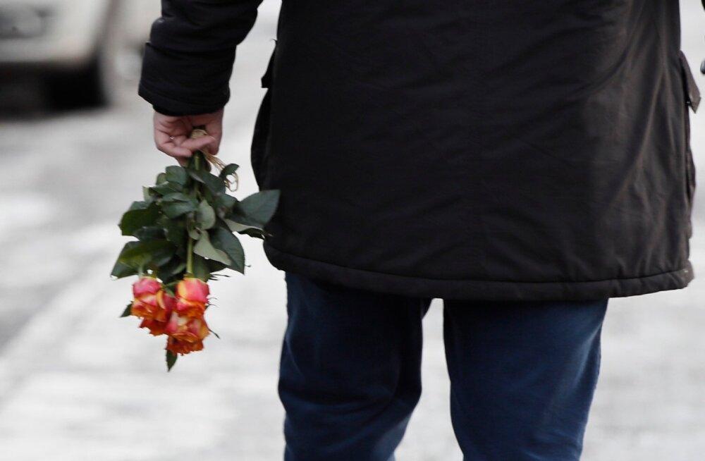 ГЛАВНОЕ ЗА ДЕНЬ: Праздник любви и дружбы, Саакашвили в Таллинне, приход KFC и новый портрет политика