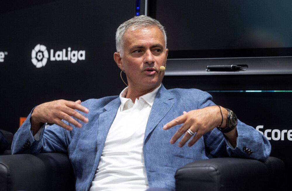 Mourinho himustab Pochettino tooli