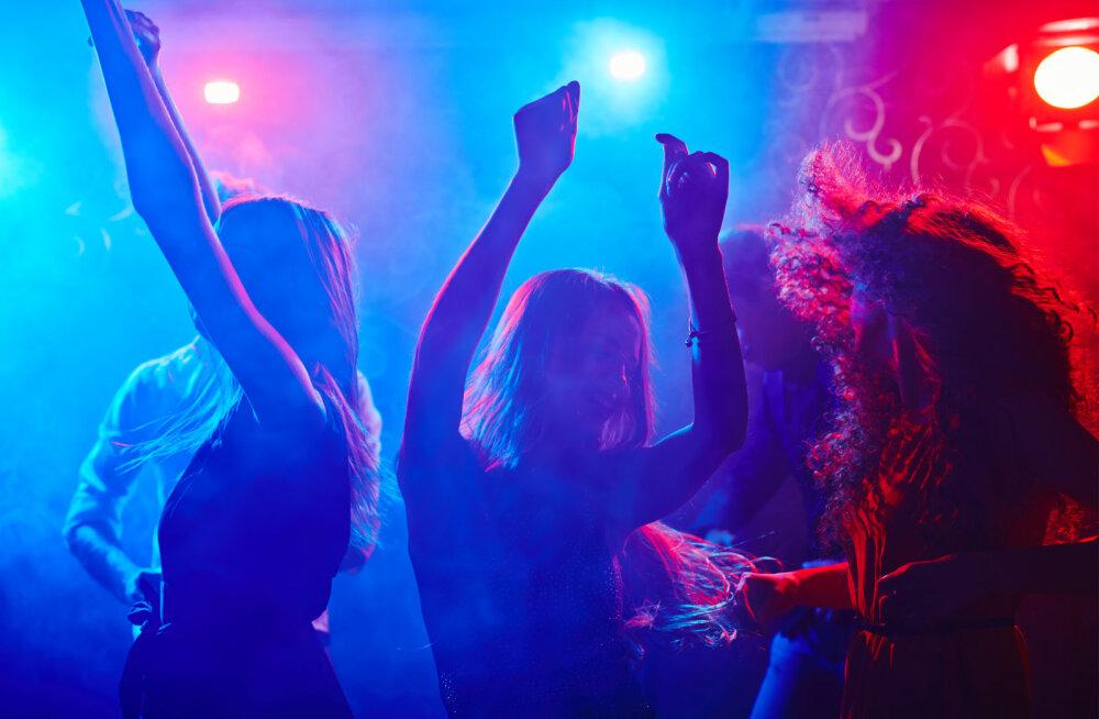 Kas suhtes naised on ööklubides lõdvema püksikummiga kui vallalised? Naisteka lugeja jagab oma kogemust!