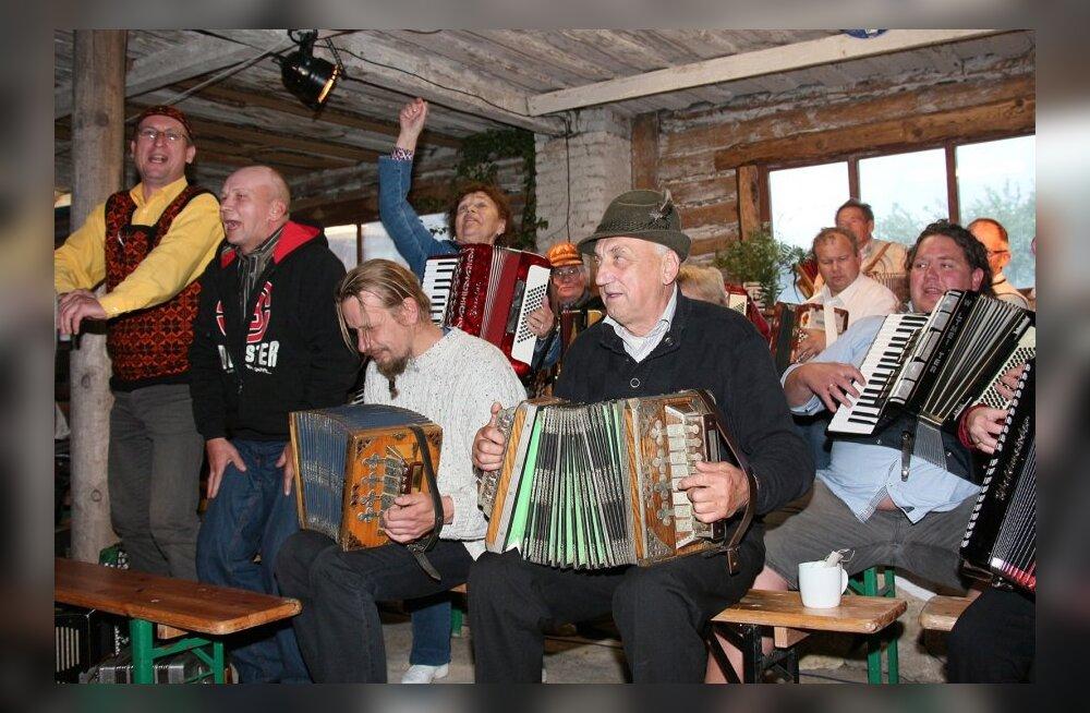 Üle-eestiline külapillimeeste kokkutulek Saaremaal