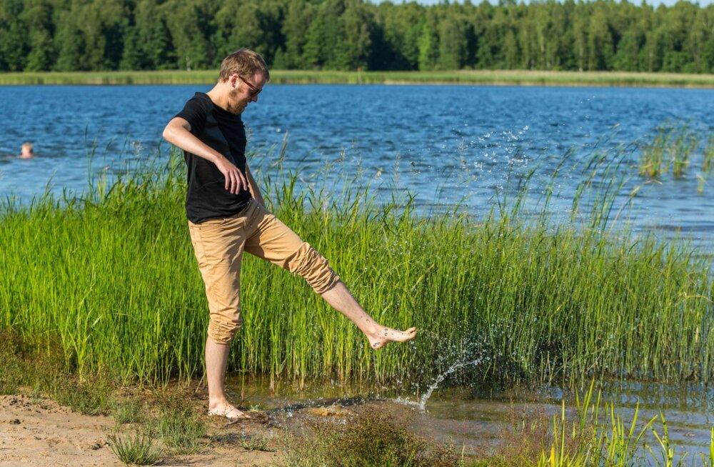 Tahaks vette, kuid sel suvel pole enamikul ajast rannailma olnud ja vesi püsib jahe. Ehk august on juulist lahkem.