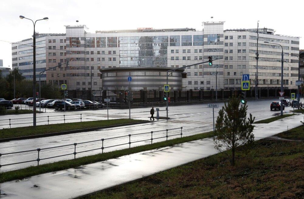 Skripalide mürgitamist uuriv Vene ajakirjanik varjab end ühes Balti riigis: arvan, et mulle on jäänud pool aastat