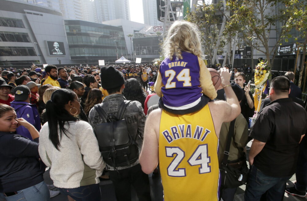 Inimesed mälestavad Kobe Bryantit