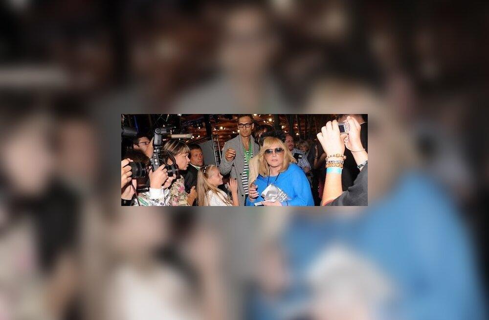 FOTOD: Vaata, millised kuulsused käisid Jūrmala festivalil