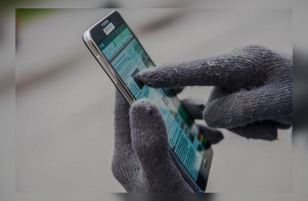 Külmakraadid kimbutavad: kuidas telefoni pakase eest kaitsta