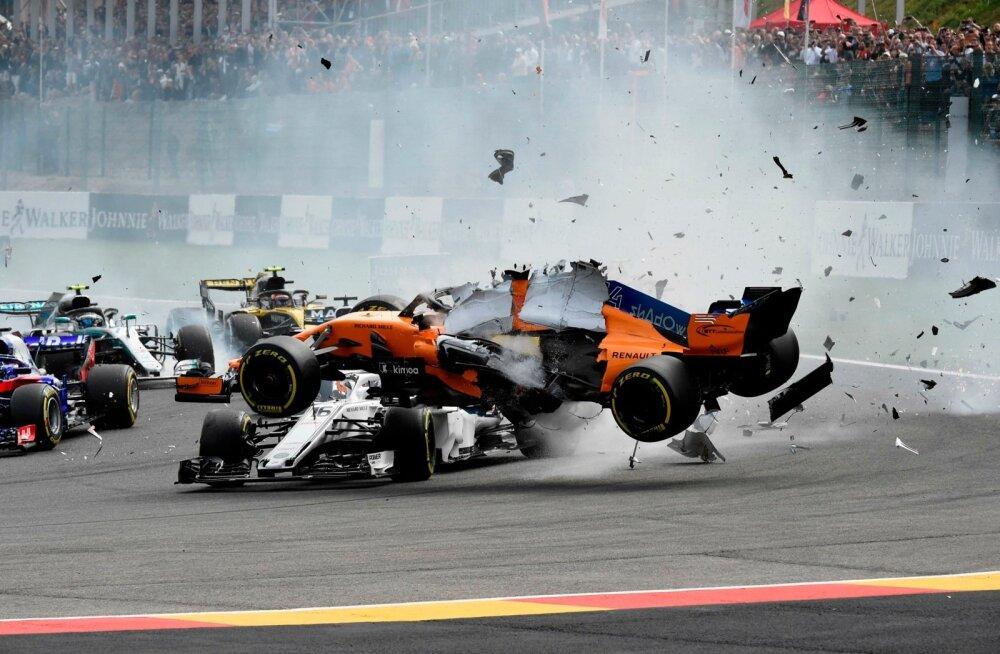 Belgia GP põnevaimad hetked piirdusid stardijärgses kurvis toimunud kokkupõrkega.