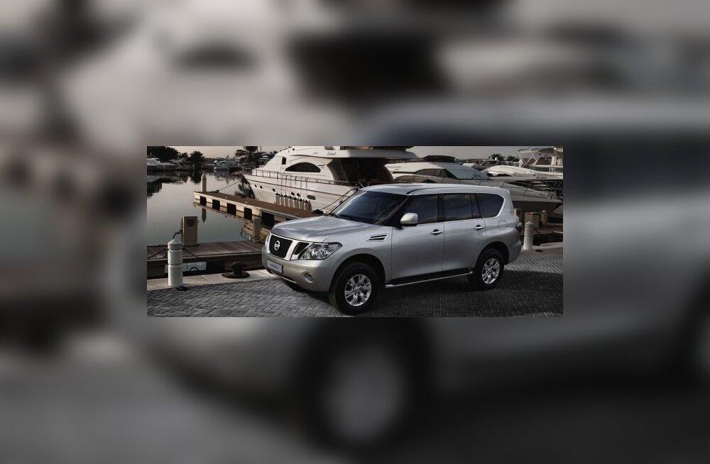 Uus ja pidulik Nissan Patrol on roobad seljast heitnud