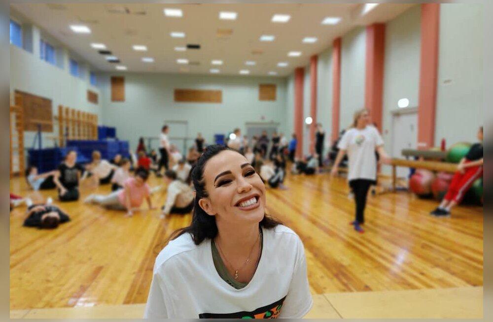 """""""Это лучше, чем ничего"""": В Йыхви тренировки по танцам теперь проходят в Instagram"""